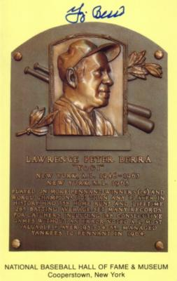 Yogi Berra (Yankees) autographed Hall of Fame plaque postcard