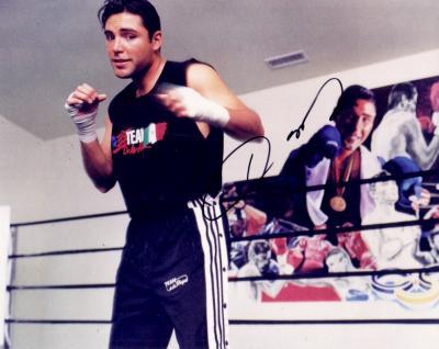 Oscar De La Hoya autographed 8x10 boxing photo