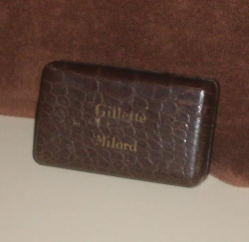 1949 Gillette Milord w Case and Blades