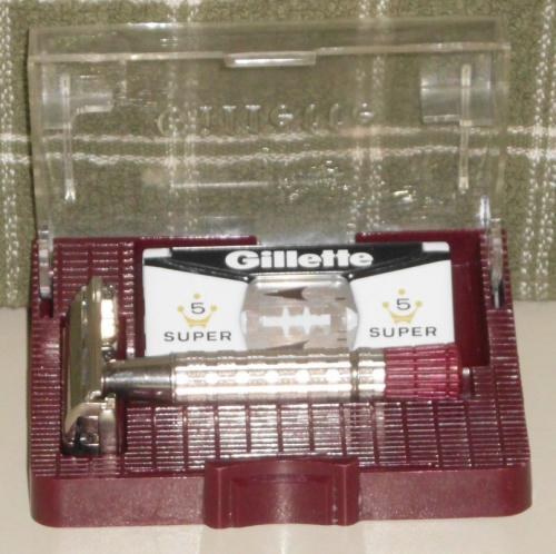 1955 Gillette Red Tip w Case and Blades