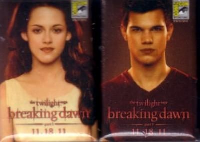 Twilight Breaking Dawn movie promo 2 pin set (2011 Comic-Con exclusive)