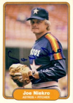 Joe Niekro autographed Houston Astros 1982 Fleer card