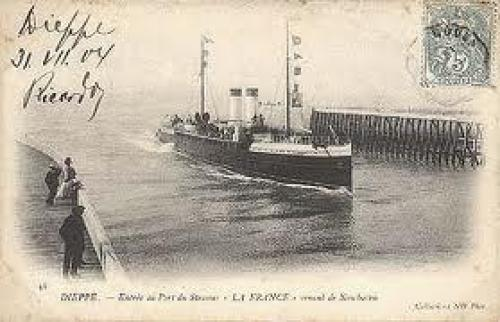 Postcard of La France arriving at Dieppe.