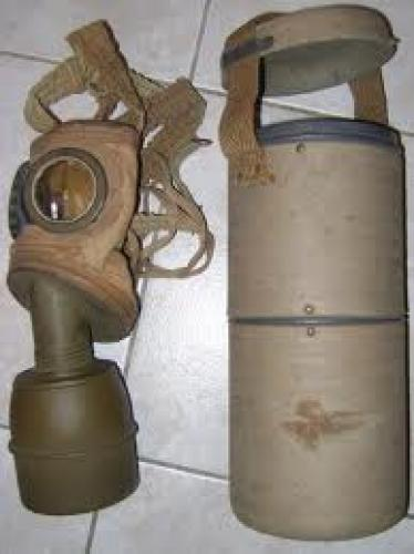 Militaria; French Gas Mask with Case