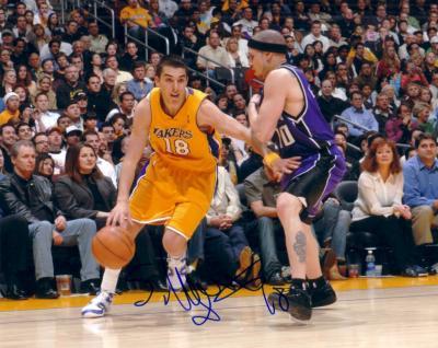 Sasha Vujacic autographed Los Angeles Lakers 8x10 photo