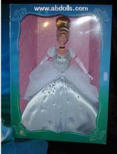 Dolls; Signature Cinderella Doll (1998)