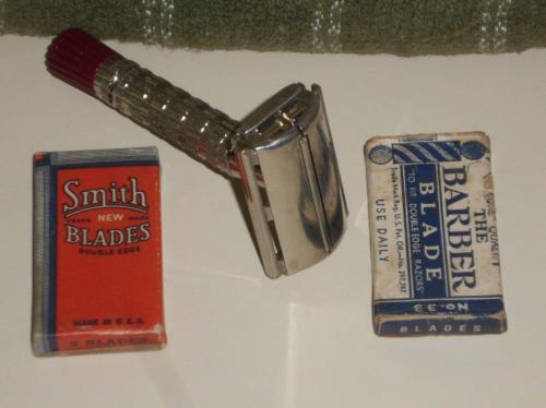1956 Gillette Superspeed RedTip w Vintage Blades
