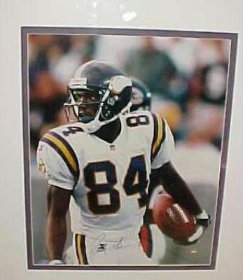 Randy Moss autographed Minnesota Vikings 16x20 poster size photo FRAMED UDA