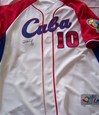 Yulieski Gourriel autographed Cuba 2009 World Baseball Classic jersey
