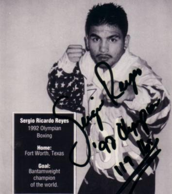 Sergio Reyes autographed 4x4 inch boxing card