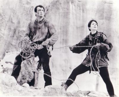 Sylvester Stallone & Janine Turner 8x10 Cliffhanger photo