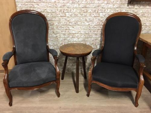 Antique Dining Chairs, Antique Windsor Chairs, French Ladder back Chairs At Antique Tables UK