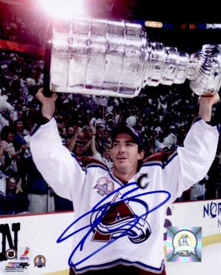 Joe Sakic autographed Colorado Avalanche 8x10 Stanley Cup photo