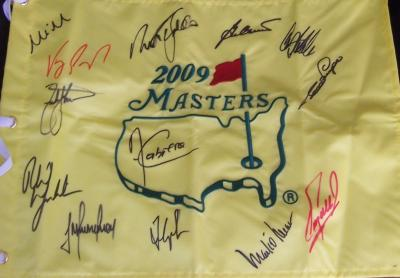 2009 Masters flag autographed by 13 winners (Fred Couples Ben Crenshaw Nick Faldo Phil Mickelson)