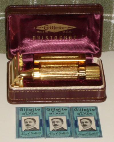 1947 Gillette Aristocrat Razor Set w Blades