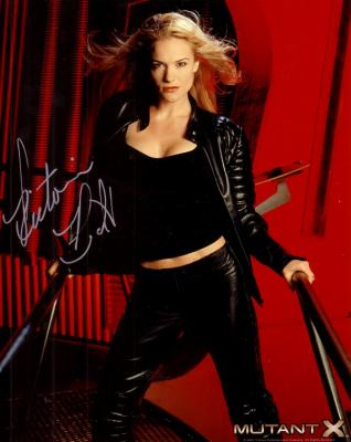 Victoria Pratt autographed 8x10 Mutant X photo