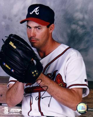 Greg Maddux autographed 8x10 Atlanta Braves photo