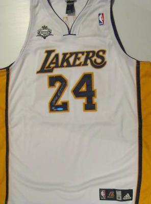 Kobe Bryant autographed Los Angeles Lakers 2008 MVP UDA jersey #21/224