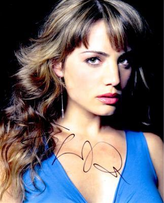 Erica Durance (Smallville) autographed 8x10 photo
