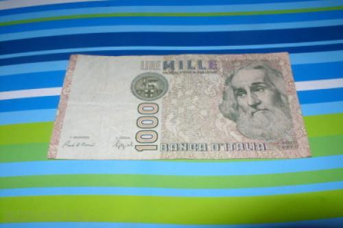 Italy 1990-1,000 lire-1982/3