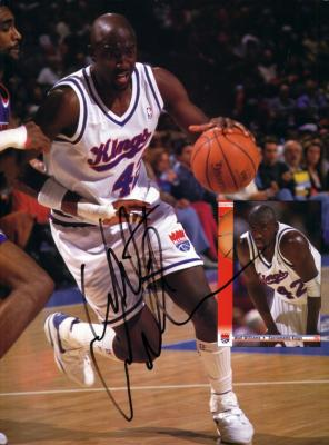Walt Williams autographed Kings Beckett Basketball magazine back cover photo