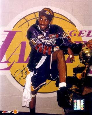 Kobe Bryant autographed Los Angeles Lakers 2001 NBA Champs 8x10 photo