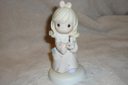 """SHARING THE LIGHT OF LOVE"" 272531 Girl Figure Holding Candle Precious Moments"