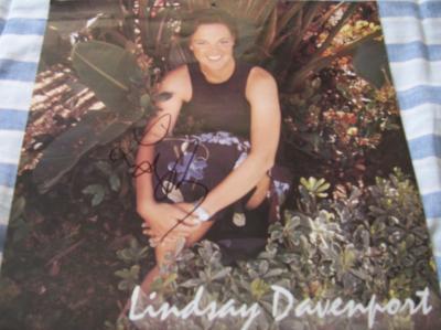 Lindsay Davenport autographed 1998 WTA Tour calendar page