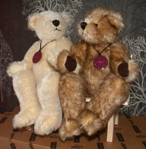 DEANS Limited Edition Pair of Mohair Bears BETTY &amp; BOB