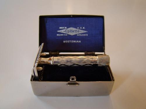 1922 Gillette Bostonian Safety Razor in Original Box