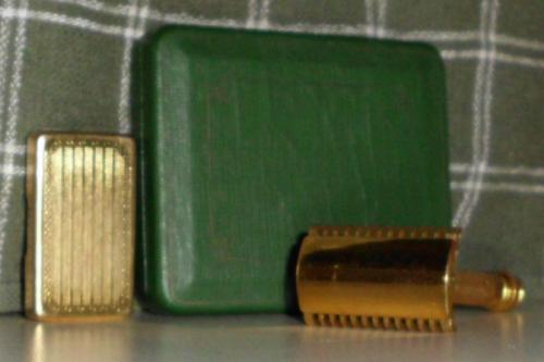 #2 1930 GILLETTE WINDSOR safety razor gold plate w/case