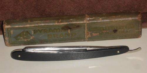 PYRAMID BRAND 7N STRAIGHT RAZOR IN BOX