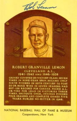 Bob Lemon (Indians) autographed Baseball Hall of Fame plaque postcard
