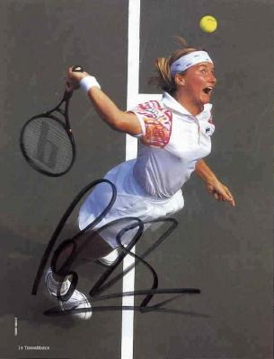 Jana Novotna autographed full page tennis magazine photo