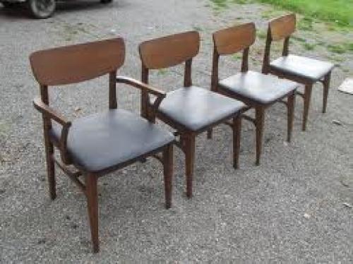 Antiques; Antique Furniture (Elyria). 1950`s Low Back Walnut dining room