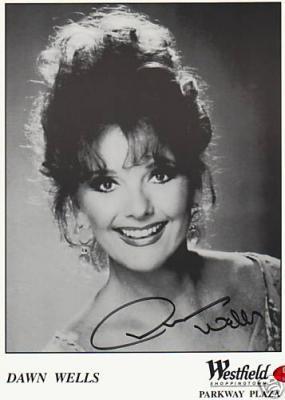 Dawn Wells autographed Gilligan's Island 8x10 photo