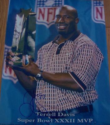 Terrell Davis autographed Denver Broncos Super Bowl 32 MVP 11x14 photo