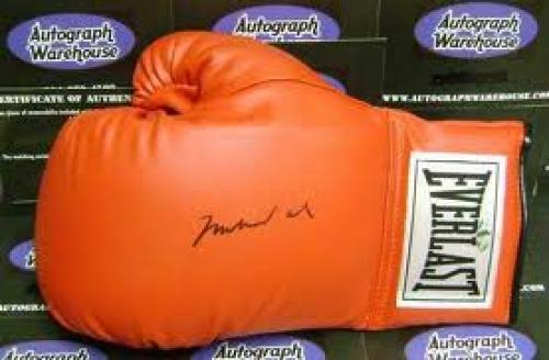 Autograph; Muhammad Ali autographed Boxing Glove (Steiner Sports Hologram)