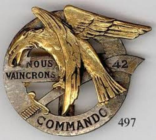 "Militaria; Mysterious ""42 commando"" insignia with French motto"