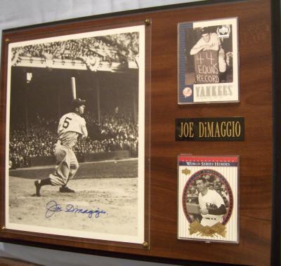 Joe DiMaggio autographed New York Yankees 8x10 photo in plaque