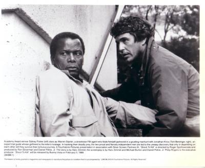 Tom Berenger & Sidney Poitier 8x10 Shoot to Kill photo
