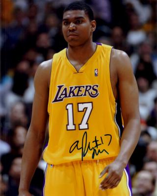 Andrew Bynum autographed 8x10 Los Angeles Lakers photo