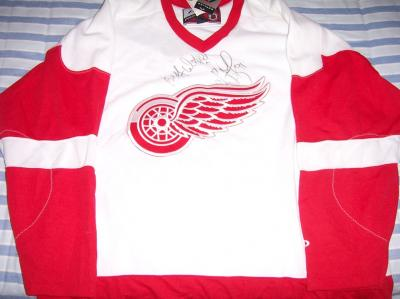 Sergei Fedorov autographed Detroit Red Wings jersey inscribed Best Wishes