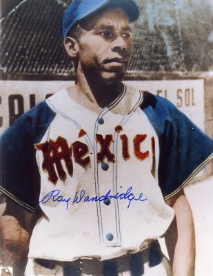 Ray Dandridge autographed 8x10 Mexican League photo