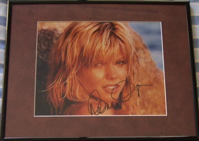 Donna D'Errico (Baywatch) autographed 8x10 photo matted & framed