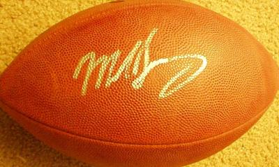 Mike Singletary autographed NFL game football