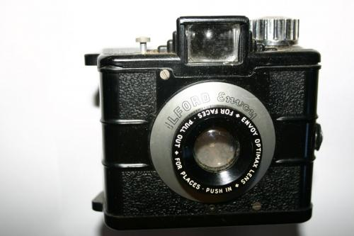 1953 Ilford Envoy Bakerlite Camera