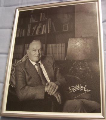 Bob Hope autographed 11x14 black & white photo framed