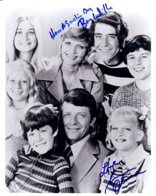 Susan Olsen & Barry Williams autographed 8x10 Brady Bunch cast photo