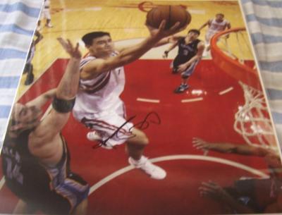 Yao Ming autographed Houston Rockets 11x14 photo